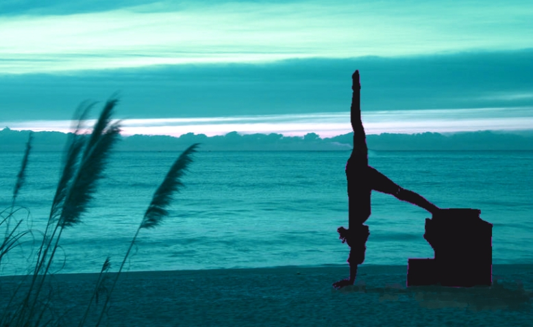 Fernanda Millions Dutra- Pilates Sant Celoni- Pilates on the beach- June 2016
